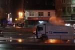 Pompalı tüfekle göstericilere ateş açıldı