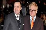 Elton John resmen evlendi!