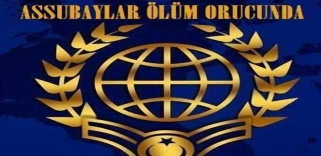 Türkiye Emekli Astsubaylar Derneği (TEMAD) üyeleri, üzerlerinde