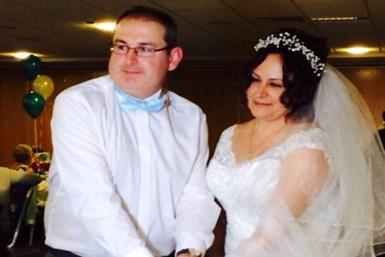 Almula Merter evlendi