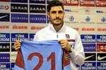 Trabzonsporlu Özer takdir topluyor