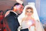 Aşiret düğününde dolarlar havada uçuştu!..