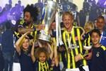 Fenerbahçe kupayı kaldırdı!..