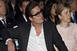 Brad Pitt yeni görünümüyle şaşırttı