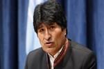 Bolivya lideri iyileşmek için kendi idrarını içiyor!