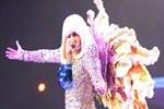 Lady Gaga kulis istekleriyle şaşırttı!..