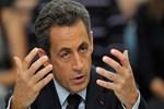Sarkozy 'geri dönüyorum' dedi!