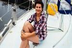 Genç kadının imdadına yük gemisi yetişti!