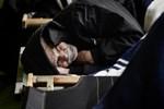 Deniz Gezmiş'in avukatı evsizlerin arasında!