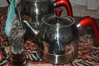 Çay tutkunu muhabbet kuşu