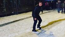Çağatay Ulusoy'un kar sevinci