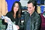 Rafet El Roman eşiyle yılbaşı alışverişine çıktı