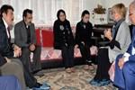 Filiz Akın Özgecan'ın ailesini ziyaret etti