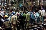 Vietnam'da inşaat iskelesi çöktü!