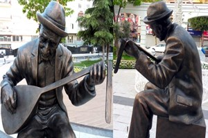 Aşık Veysel'in heykeline ne oldu?