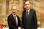 Bakü'de Putin'le ayaküstü görüşme!