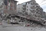 Yozgat'ta dört katlı apartman çöktü
