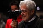 Yönetmen Scola öldü!