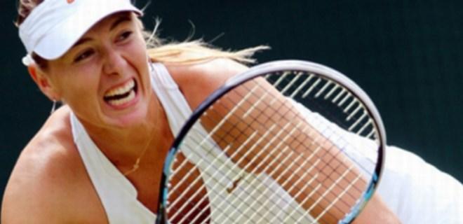 Maria Sharapova korta çıktı