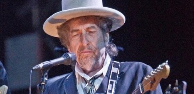 Nobel Edebiyat Ödülü'nün sahibi Bob Dylan