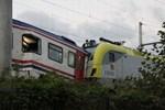 Sakarya'da iki tren kafa kafaya çarpıştı!