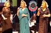 Türk sanat müziğinin ünlü sesi Nesrin Sipahi, dün akşam CRR Konser Salonu'nda sanatçı dostlarıyla...