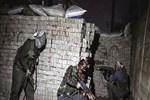 Muradiye AK Parti gençlik kolları başkanının evine bombalı saldırı!