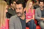 Sinem Kobal ile Kenan İmirzalioğlu'nun romantik bakışları
