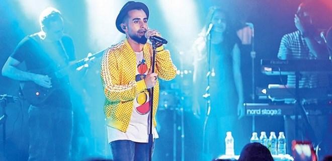 Gökhan Türkmen'in yeni albümü sevenlerle buluştu