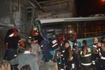 Şok! Halk otobüsü eve girdi!..