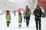 Ağrı'da eğitime kar engeli!