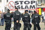 Avrupa'da İslam düşmanlığı giderek artıyor