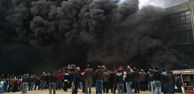 İstanbul'da okul tatil ettiren yangın!