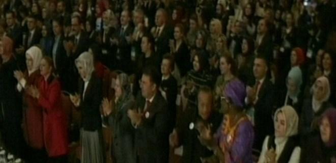 Cumhurbaşkanı Erdoğan'ın sözleri ayakta alkışlandı