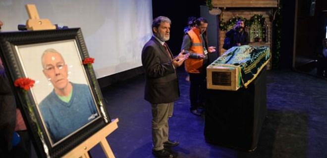 Tiyatrocu Münir Akça son yoluculuğuna uğurlandı