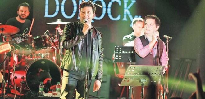 Emre Kınay ve Bora Öztoprak'tan Sezen şarkıları