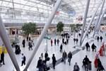Düsseldorf Havaalanı'nda 14 Türk yolcu bekletiliyor!