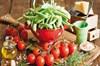 Yaşam tarzında ve beslenme alışkanlığında yapılan bazı değişikliklerle önemli kanser türlerinin...