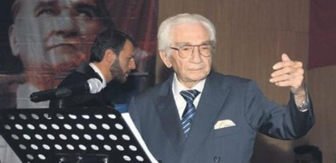 Prof. Dr. Alaeddin Yavaşça ayakta alkışlandı