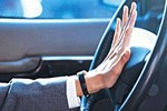 Klakson çalarak hakaret eden sürücüye ceza!