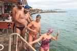14 Şubat'ı yüzerek kutladılar