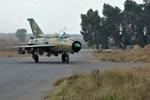 Suriye'nin savaş uçağı düşürüldü!