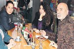 Vahide Perçin ve Altan Gördüm yemekte buluştu