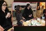 Nur Yerlitaş muhabirlere kapris yaptı