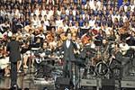 Ferhat Göçer 300 çocukla sahne aldı