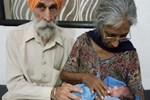 Hintli kadın 72 yaşında anne oldu