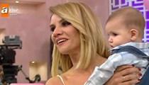 Esra Erol'un küçük oğlu Ömer ilk kez ekrana çıktı!