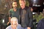 Sean Penn tek başına İstanbul'u turladı!