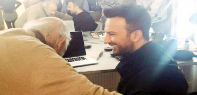Ara Güler'den Tarkan'a sürpriz ziyaret
