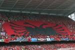Arnavutluk'tan bayrak rekoru!..